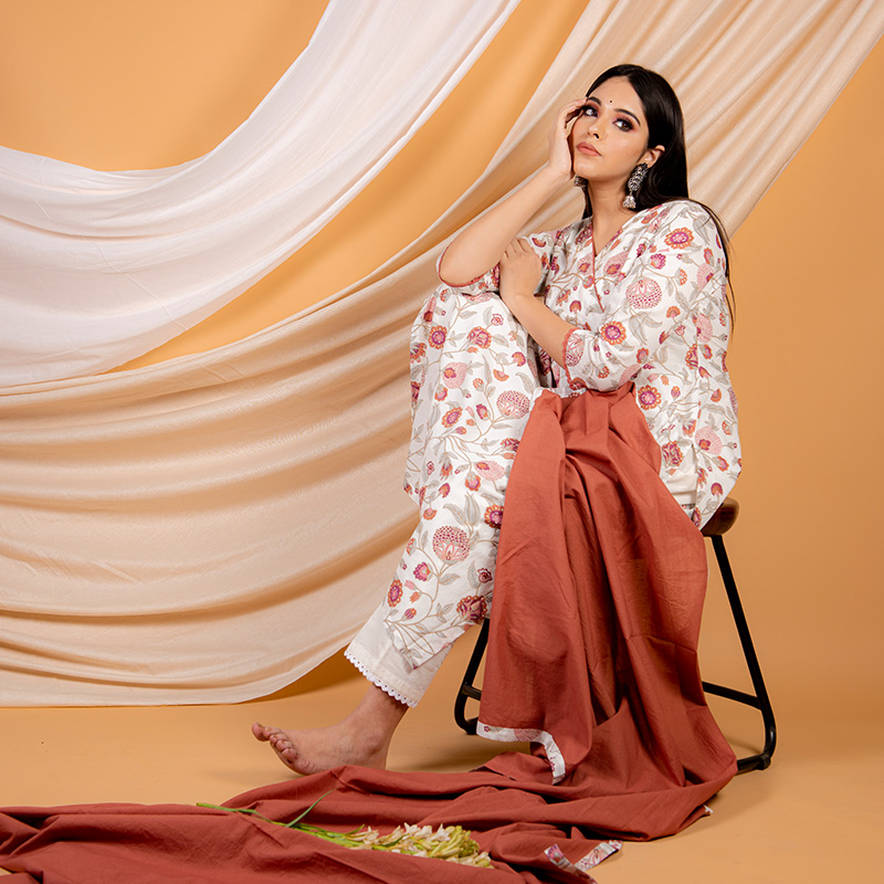 Red cotton printed  kurta with pants and dupatta - Set of 3