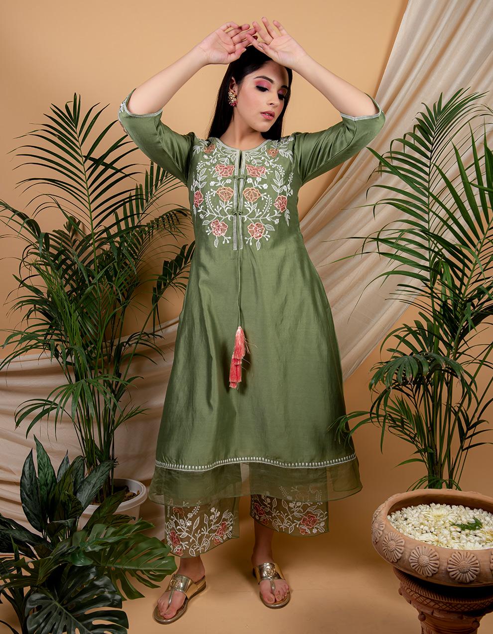 Green chanderi silk kurta with pallazzo and organza dupatta- Set of 3