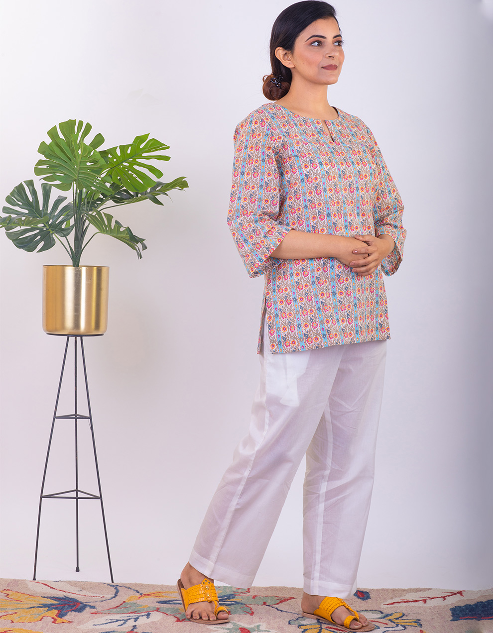 Multicoloured cotton short kurta with pants - Set of 2