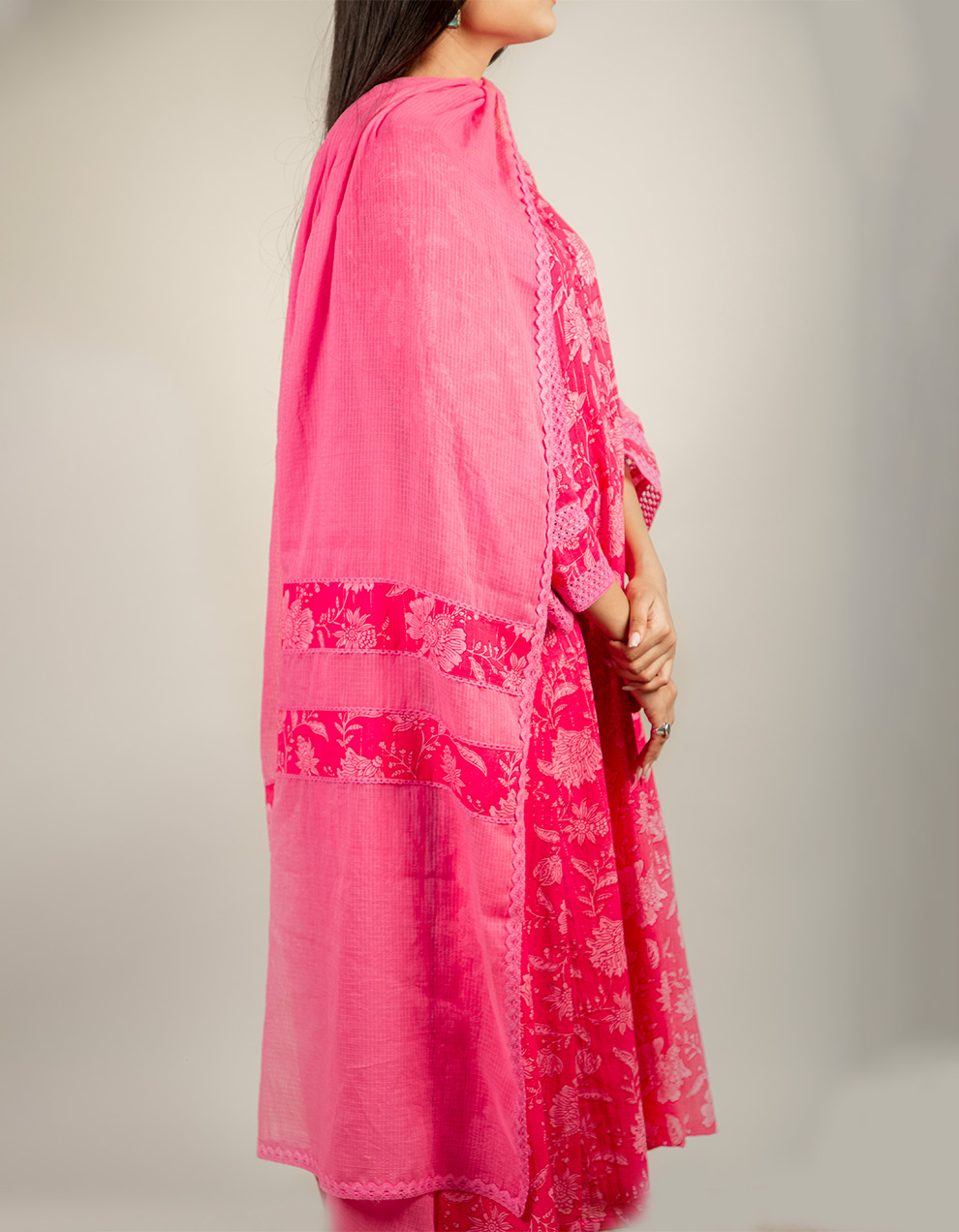 India's best ladies magenta pink color dupatta with lace