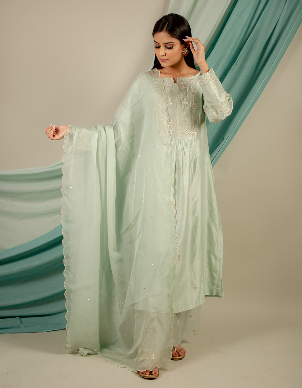 Buy best green embroidery scalloped organza dupatta